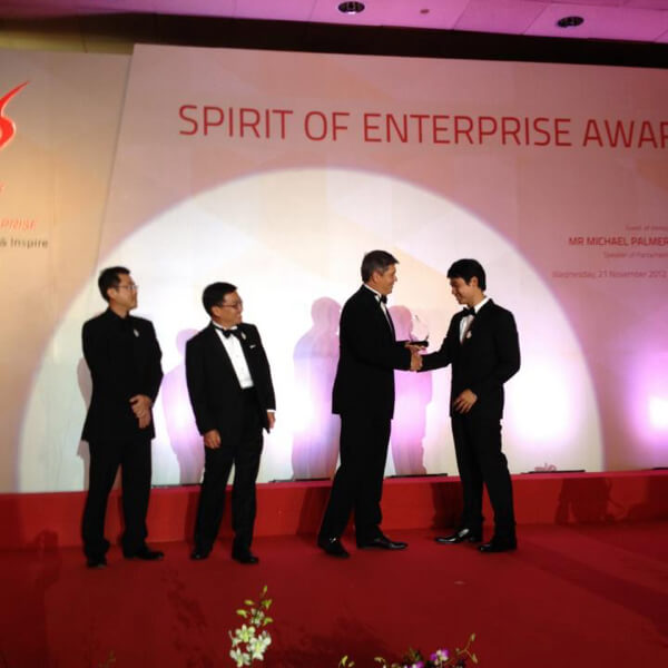 CEO & Founder Zwee Wee Zihuan awarded the spirit of enterprise honoree award. Digital expert / innovation consultant, Savant Degrees image